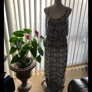 🆕NWT AB Studio maxi dress with a side slit Large